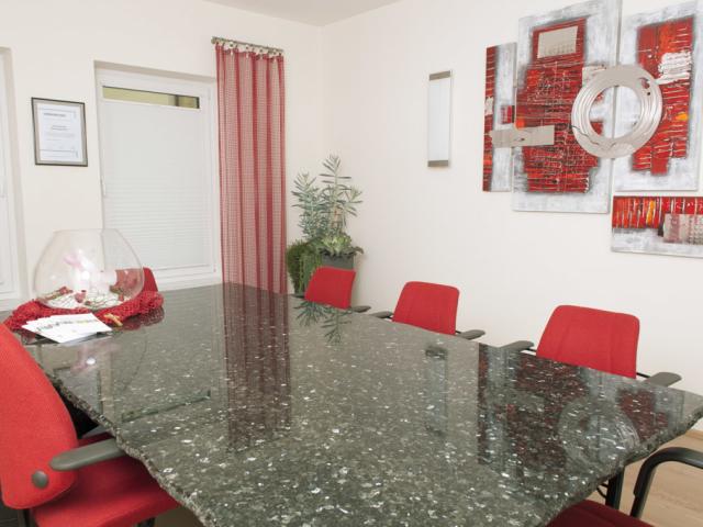 Einladender Besprechungs- und Beratungsraum